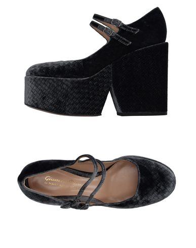 achat en ligne amazone à vendre Mary Katrantzou X Salon De Chaussures Gianvito Rossi Livraison gratuite confortable prix en ligne gyGAdA