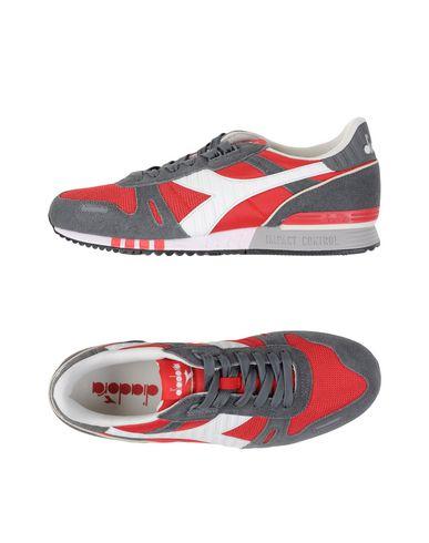 Chaussures De Sport Diadora des prix nouvelle remise professionnel à vendre à vendre Finishline TfZ3q