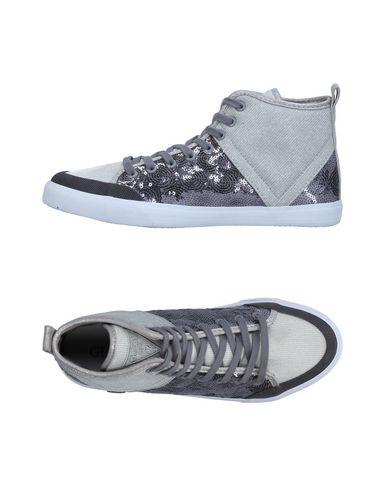 Chaussures De Sport Guess