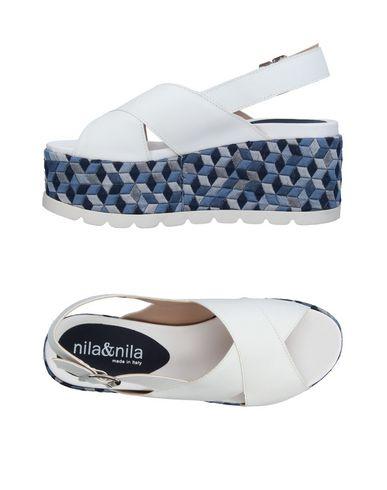 Ils Et Leurs Sandales