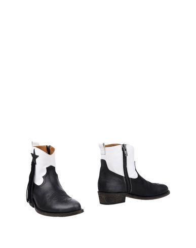 Footlocker rabais Via Roma 15 Dépouilles magasin de vente braderie chaud sneakernews en ligne SFyrxFvUjI
