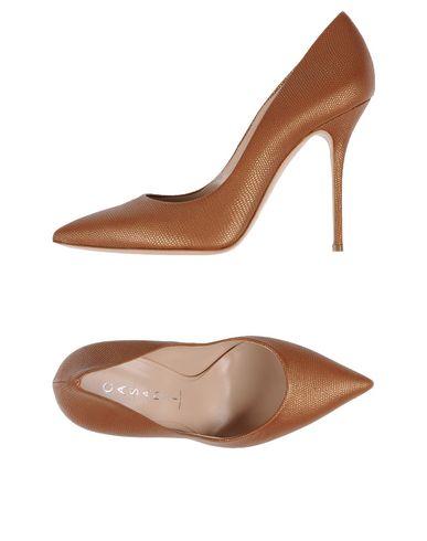 Livraison gratuite 2015 Manchester en ligne Chaussures Casadei professionnel à vendre sJSWjr1r