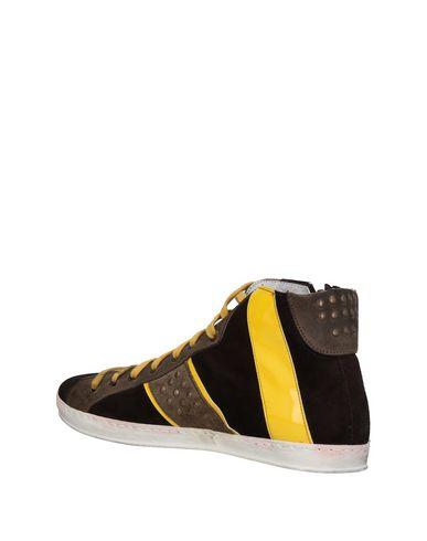 négligez dernières collections Chaussures De Sport Mangano approvisionnement en vente vente avec paypal qualité supérieure rabais site officiel vente JtlNp