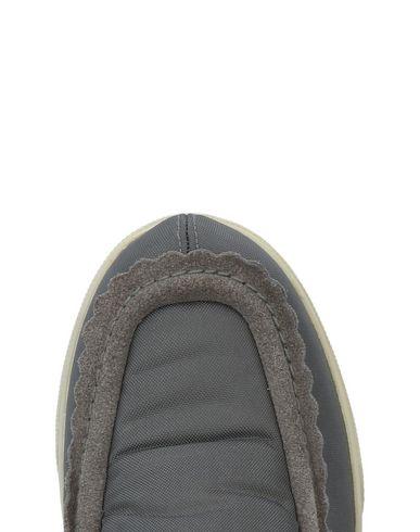 Chaussures De Sport D'infiltration vente sneakernews Hrp54cR