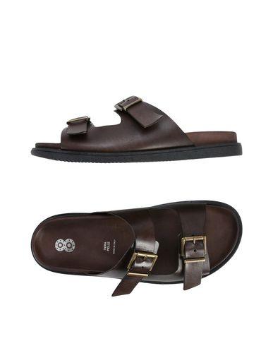 8 Sandale