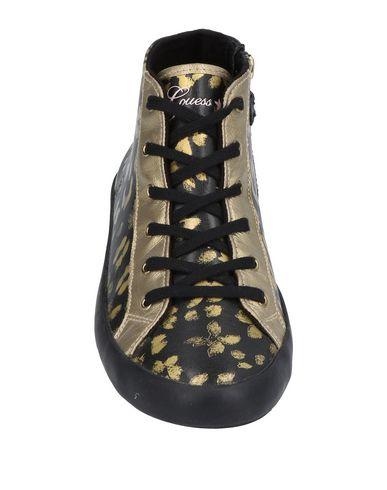 Chaussures De Sport Guess images en ligne Nice en ligne grande vente achat en ligne Finishline 5oXgcSWKW
