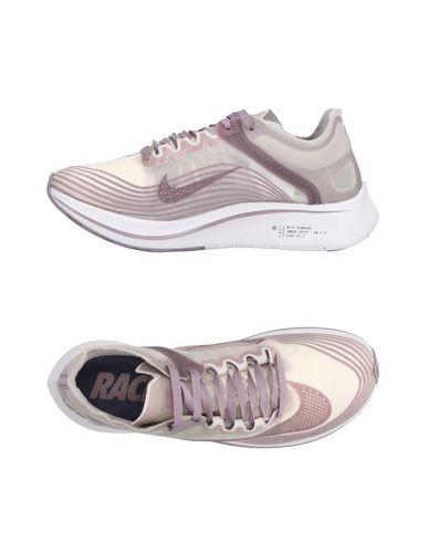 extrêmement pas cher Nike Chaussures De Sport la sortie authentique OyaNkj6BZy