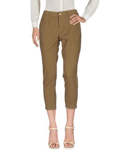 (+) Les Gens De Pantalons Serrés