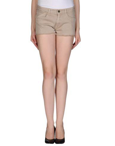 GOLD CASE - Shorts