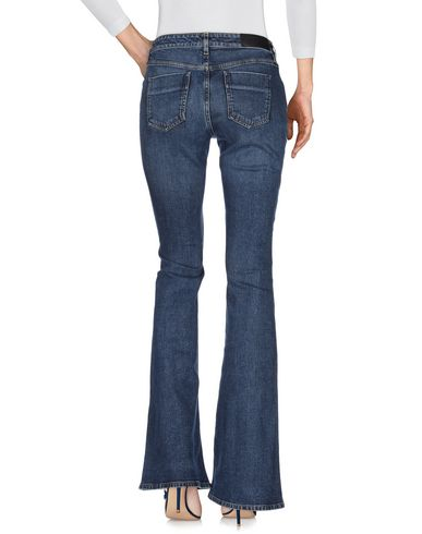 Victoria Beckham, Jeans Victoria