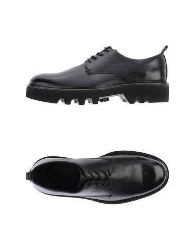 Обувь на шнуровке