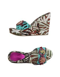 SAVE THE QUEEN - Sandals