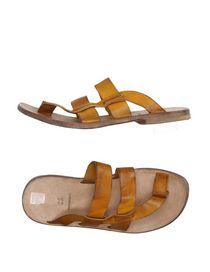 MOMA - Flip flops