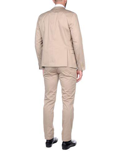 Costumes Ritz Manuel jeu avec mastercard profiter à vendre Réduction en Chine Réduction obtenir authentique jeu geniue stockiste t6piyy
