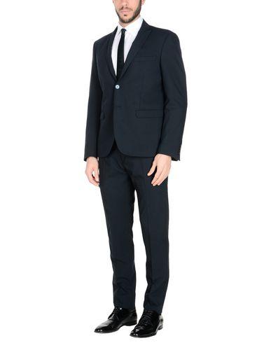 la sortie commercialisable vente grand escompte Alessandro Gilles Costumes vente authentique se prix des ventes sortie d'usine rabais 7SmFF4b9