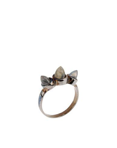 DOMINIC JONES - Ring