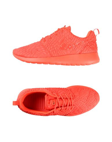 NIKE W NIKE ROSHE ONE DMB Sneakers
