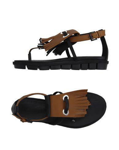 VIC - Flip flops