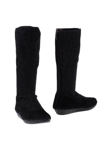 ALEX &Reg; Boots in Black