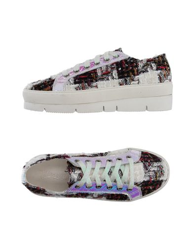 IOANNIS Sneakers in White