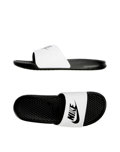 703f95bddee3 Claquettes Nike Benassi Just Do It - Homme - Claquettes Nike sur ...