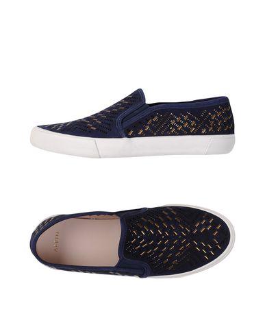 Sneakers, Black