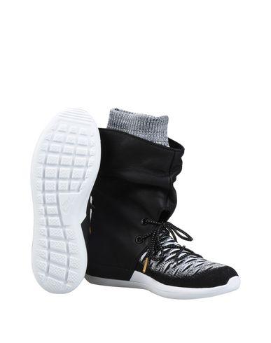 online store 1c40d 37fd0 W ROSHE TWO HI FLYKNIT. Sneakers. NIKE Sneakers  NIKE Sneakers  NIKE  Sneakers ...