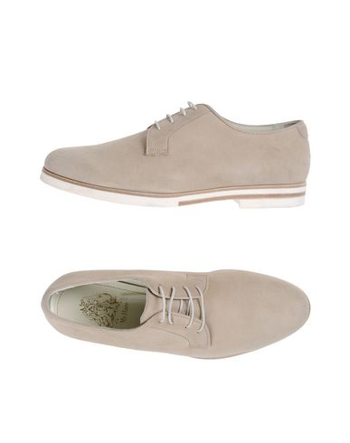 MR.HARE Laced Shoes in Beige