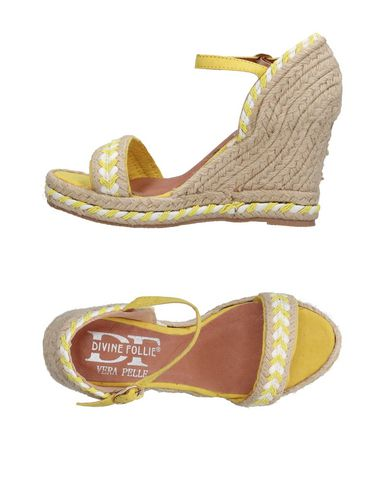 FOOTWEAR - Toe strap sandals on YOOX.COM Divine Follie IUEc1