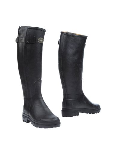 LE CHAMEAU Boots in Black