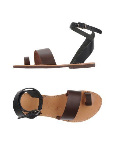 ISAPERA Flip Flops in Brown