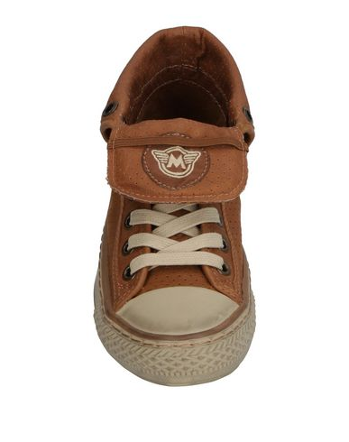 MATCHLESS Sneakers