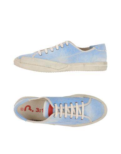 3:10 Sneakers