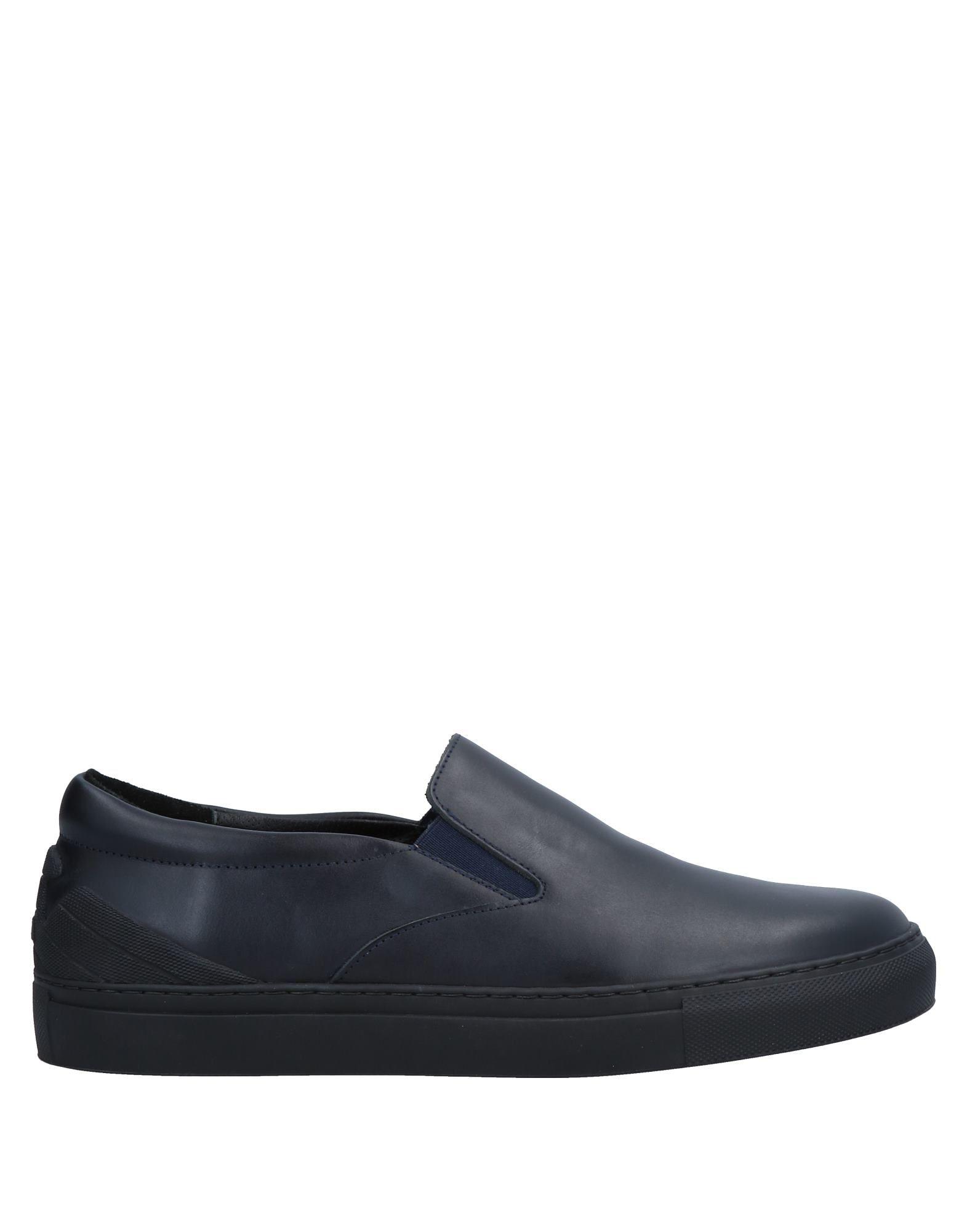 Emporio on Armani Sneakers - Men Emporio Armani Sneakers online on Emporio  Canada - 11204262OB 6e6d6a