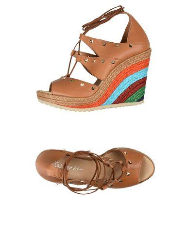GEORGE J. LOVE - Sandals