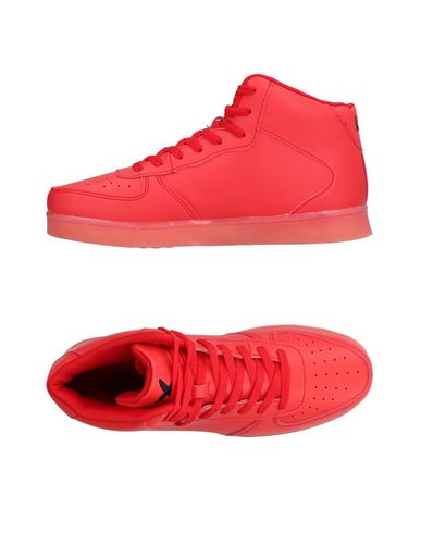 WIZE & OPE Sneakers in Red