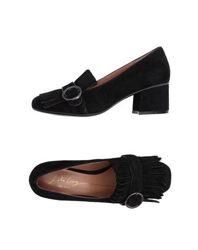 LOLA CRUZ Loafers in Black