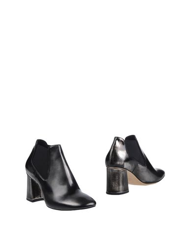 VETIVER Ankle Boot in Grey