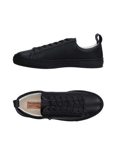 BUDDY Sneakers in Black
