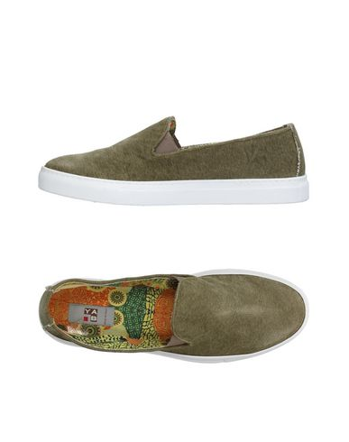 YAB Sneakers in Military Green