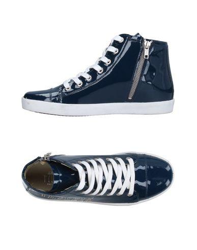 Alviero Martini 1A Classe Sneakers - Women Alviero Martini 1A Classe Sneakers online on YOOX United States - 11239060NJ