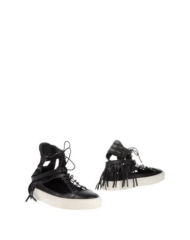 EUGÈNE RICONNEAUS Sneakers in Black