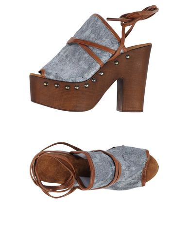 GET IT - Sandals