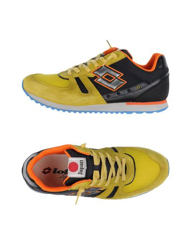 LOTTO LEGGENDA Sneakers in Yellow