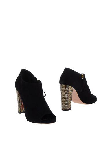 JEAN-MICHEL CAZABAT Ankle Boot in Black