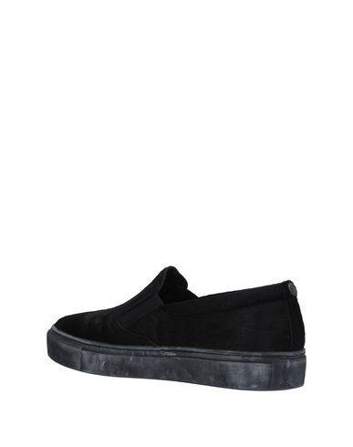 MARUTI Sneakers