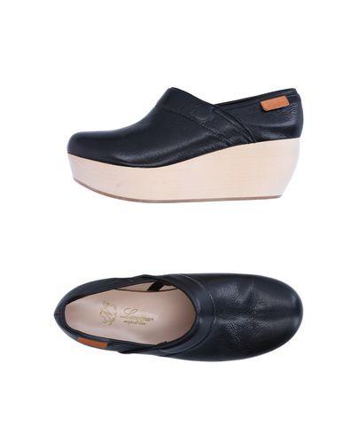 LENORA Ankle Boot in Black