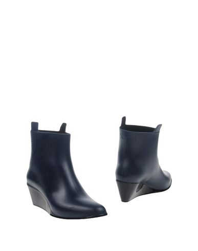 KARTELL Ankle Boot in Blue