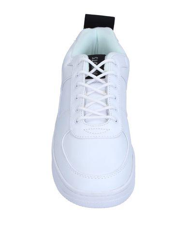 KWOTS Sneakers