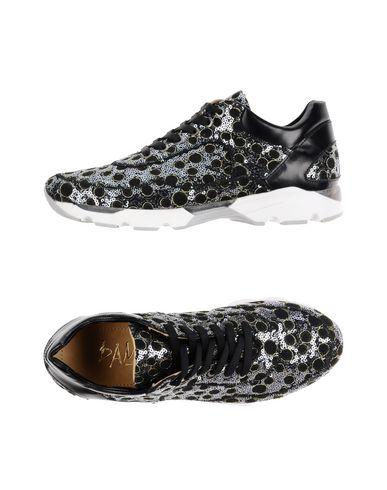 DAMY Sneakers in Grey